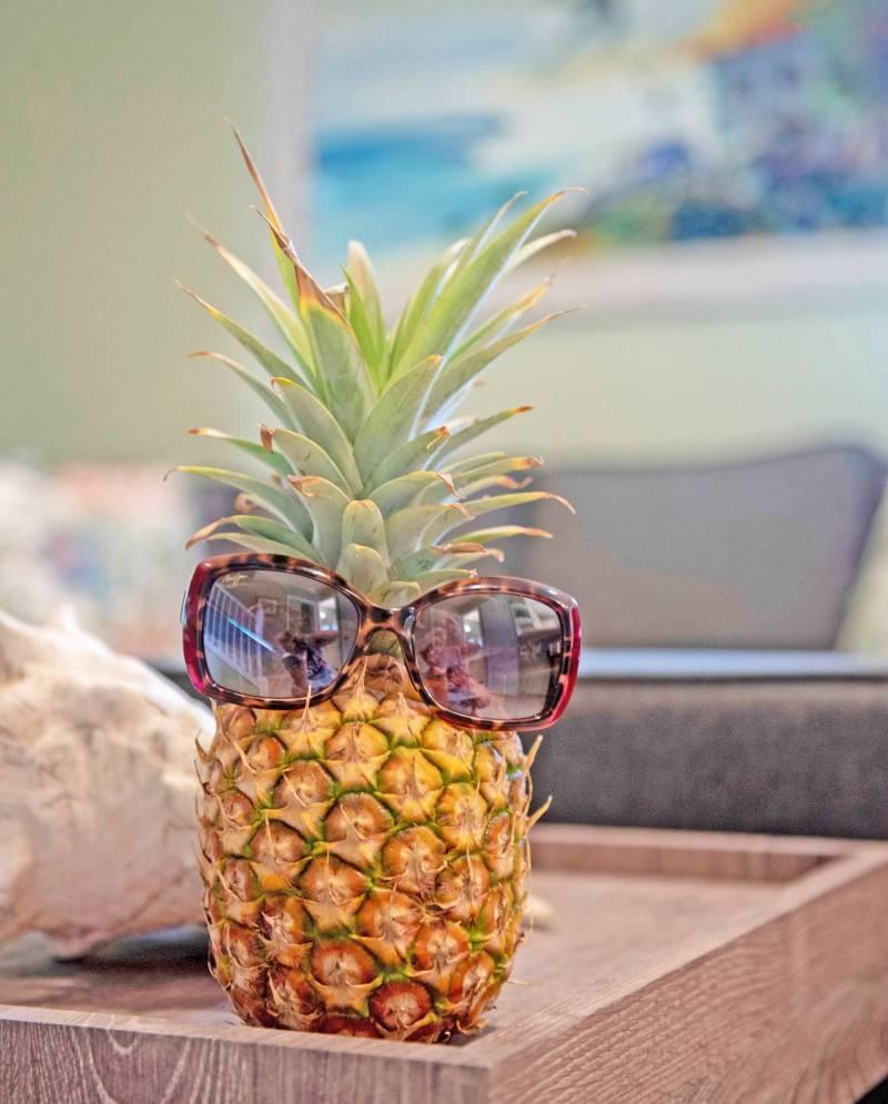 pineapple wearing sunglasses