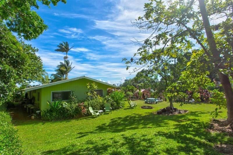 Two homes on Kapaau lot Big Island Hawaii
