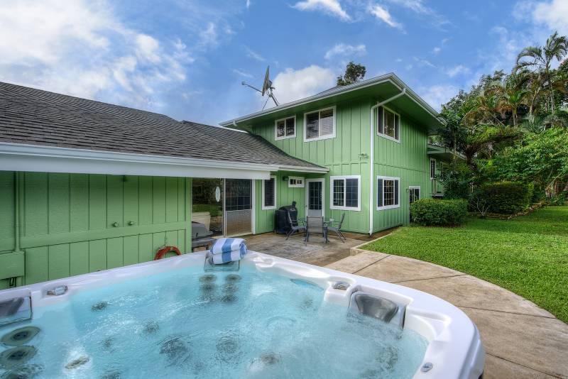 backyard of home for sale in wailua homesteads