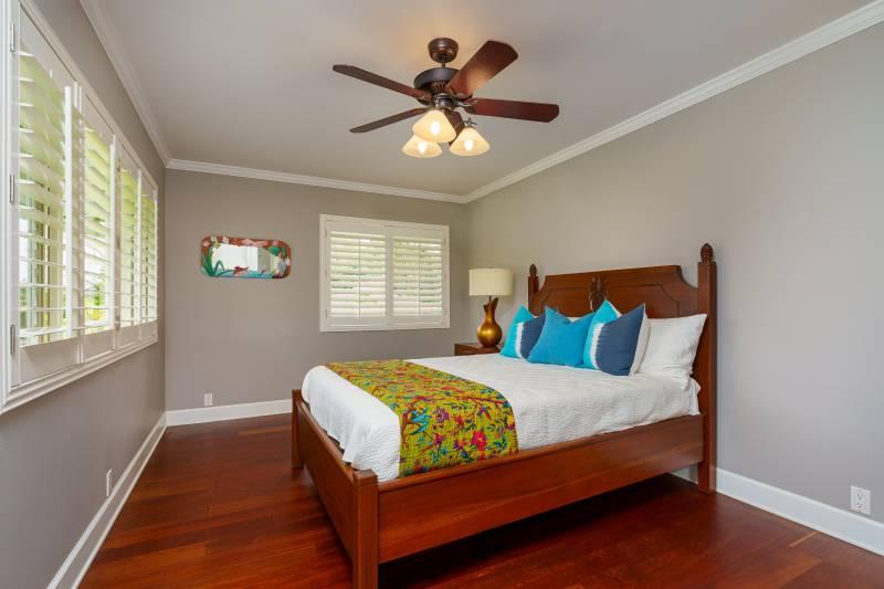 bedroom in wailua homesteads home