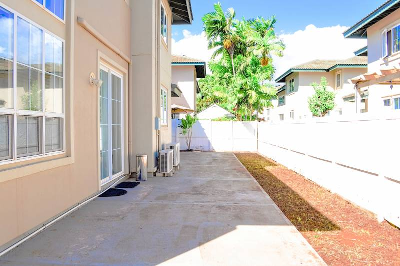 exterior kapolei oahu home on a sunny day