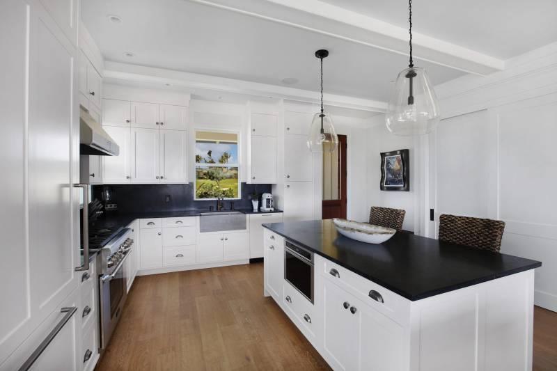 bright modern kitchen in kukuiula cottage