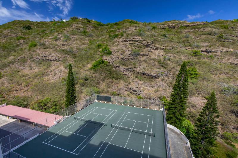 private tennis court in hawaii kai oahu at the commodore condos