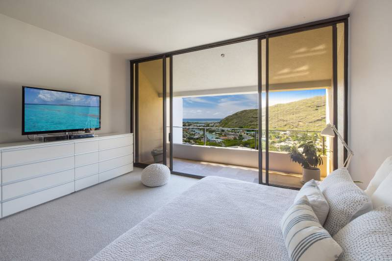 views from penthouse master bedroom of hawaii kai oahu
