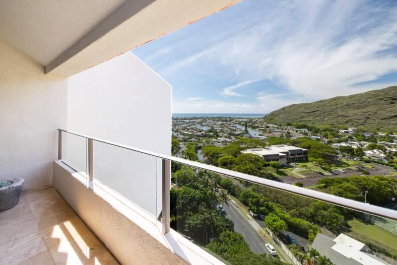 view of hawaii kai marina from commodore penthouse condo