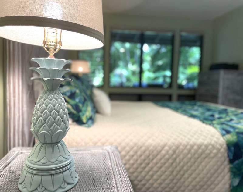 pineapple lamp in puamana condo