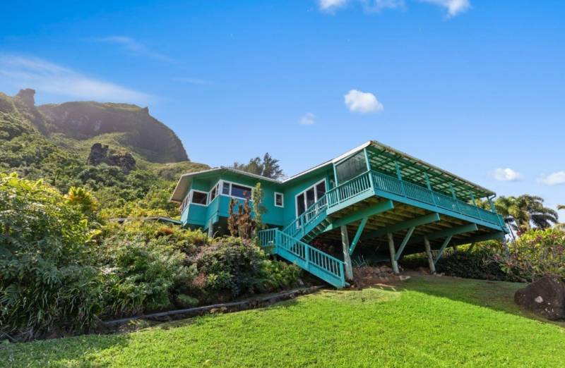 beachfront home on 2 acres on kauai