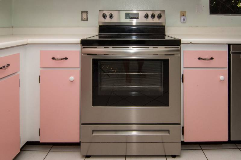 oven in upcountry maui home for sale
