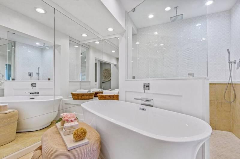 luxurious master bathroom at kapalua bay villas