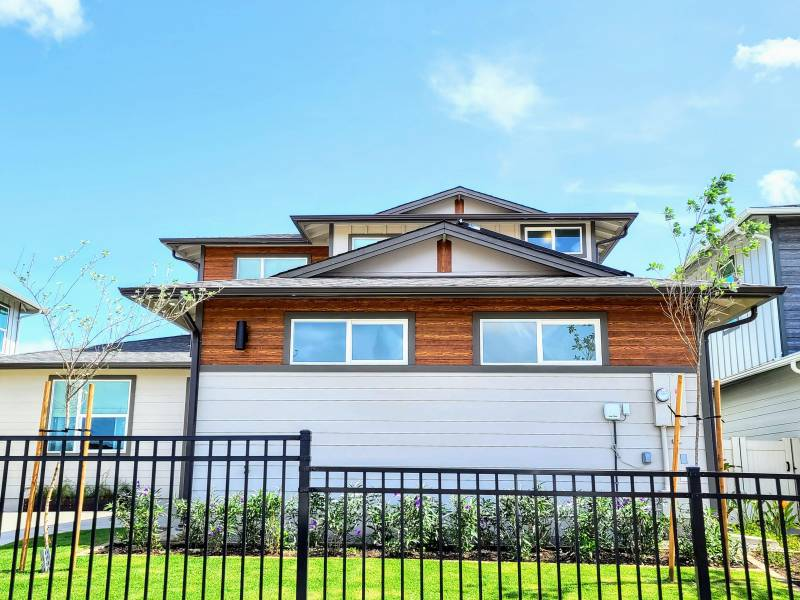 makamae homes for sale