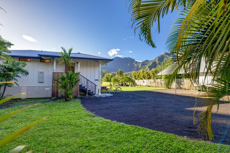 hanalei home with mountain views
