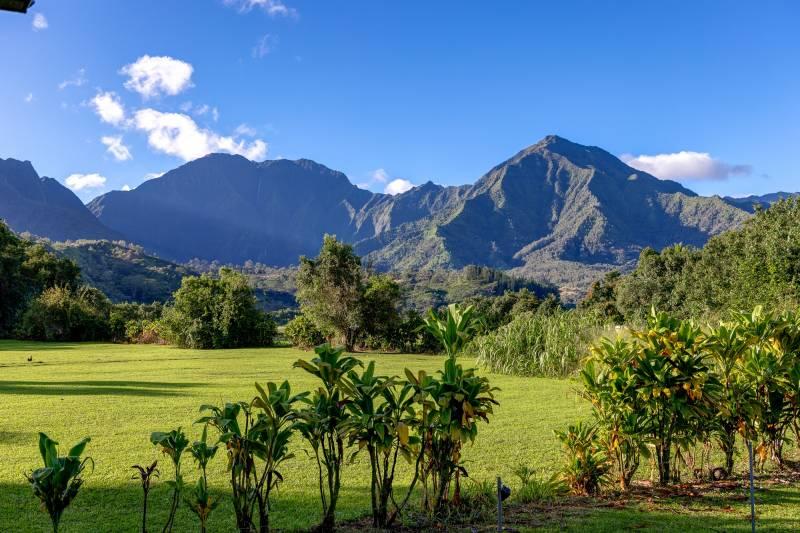 kauai mountain views from backyard