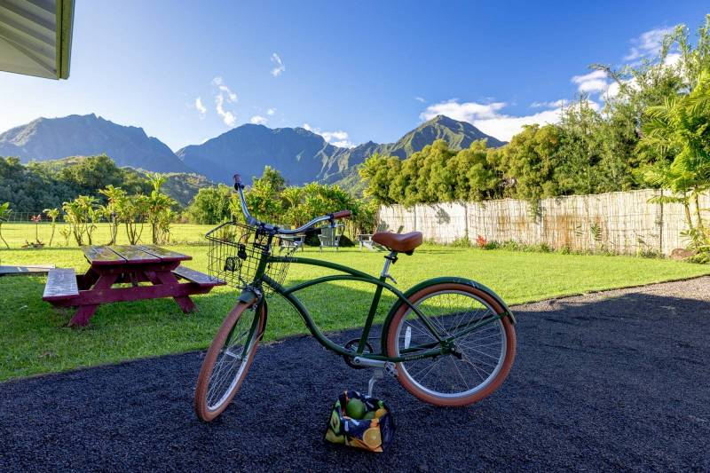 bike to town from your hanalei home