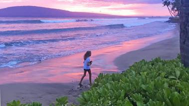 plogging on the beach in hawaii