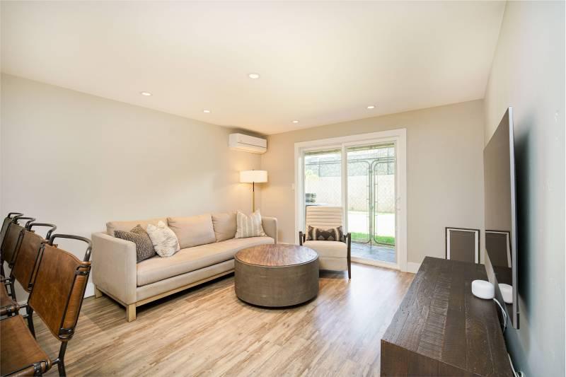 living room at the spinnaker condo