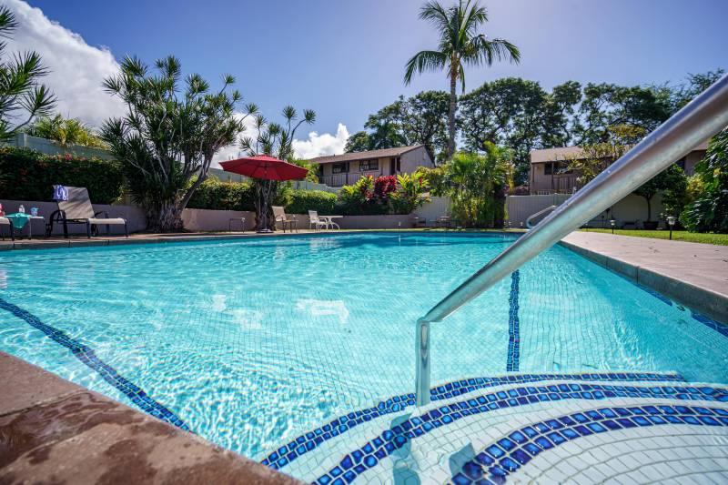 pool at the spinnaker condos