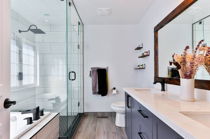 master bathroom in hawaii home