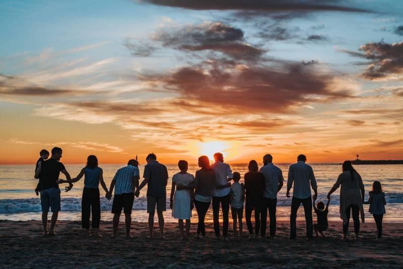 ohana family on hawaii beach