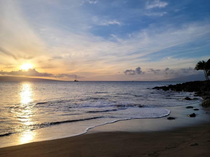 Wahikuli beach sunset view