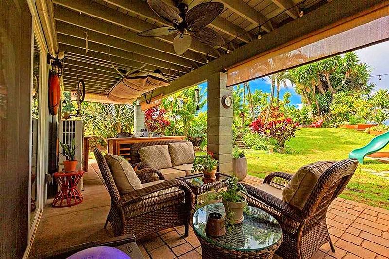 backyard patio seating area