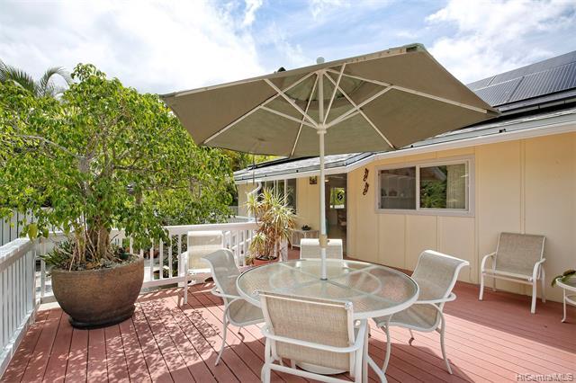 spacious deck at oahu home