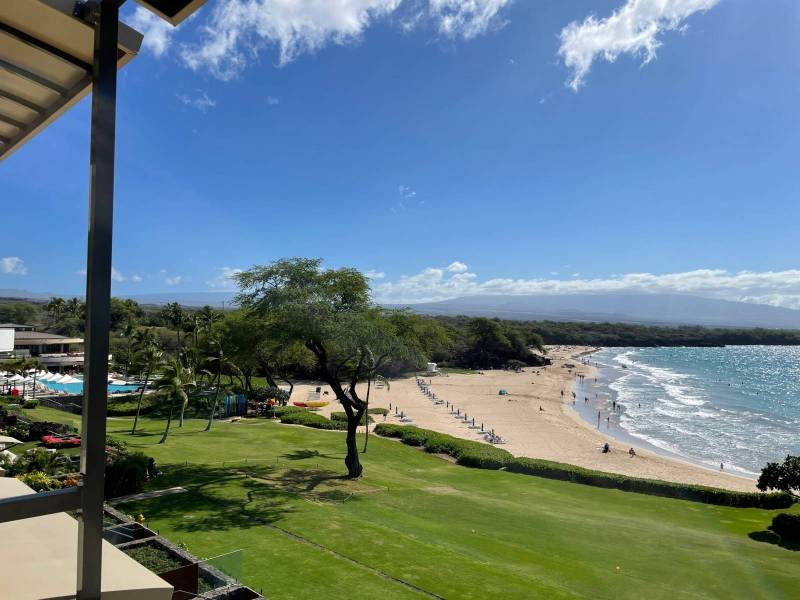 Beach and hotel amenities at Hapuna Residences