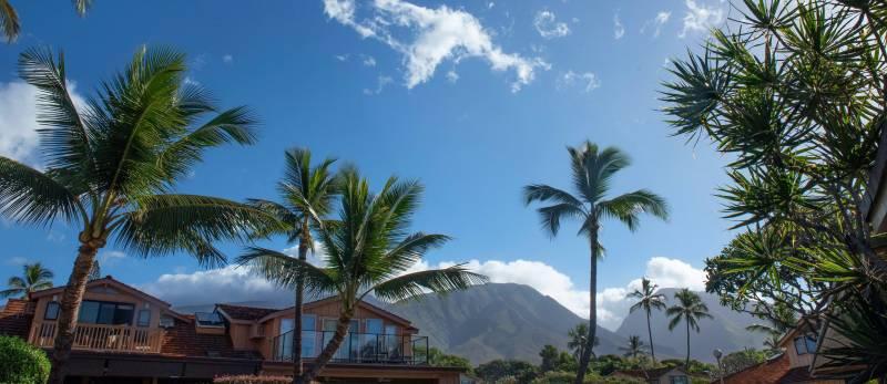 mountain views at puamana