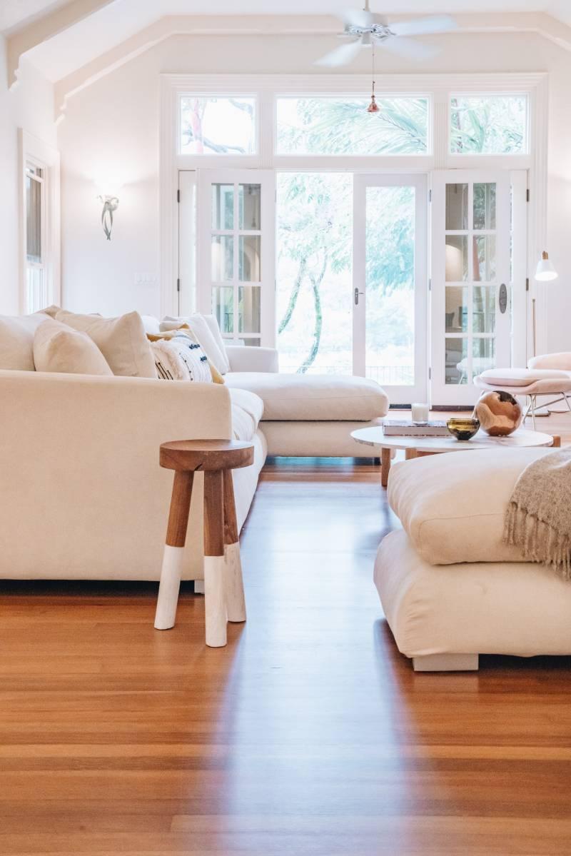 indoor outdoor living in luxury oahu home