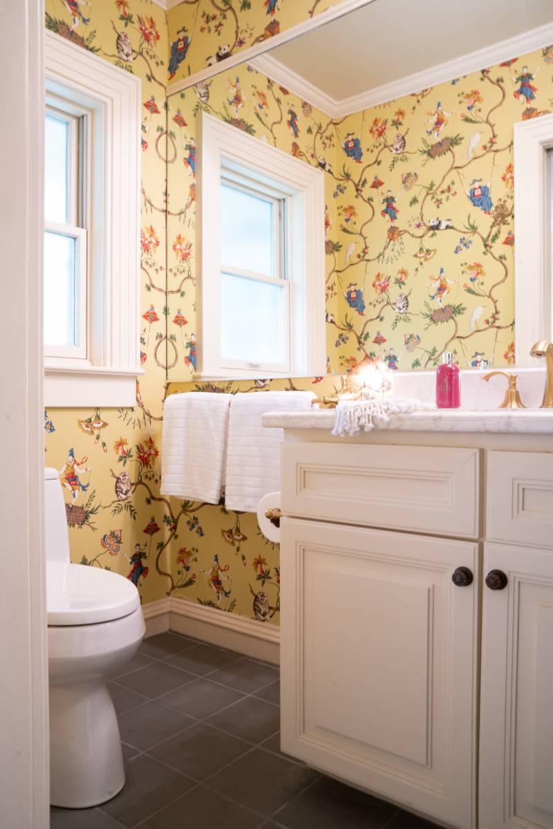 classic wallpaper in bathroom