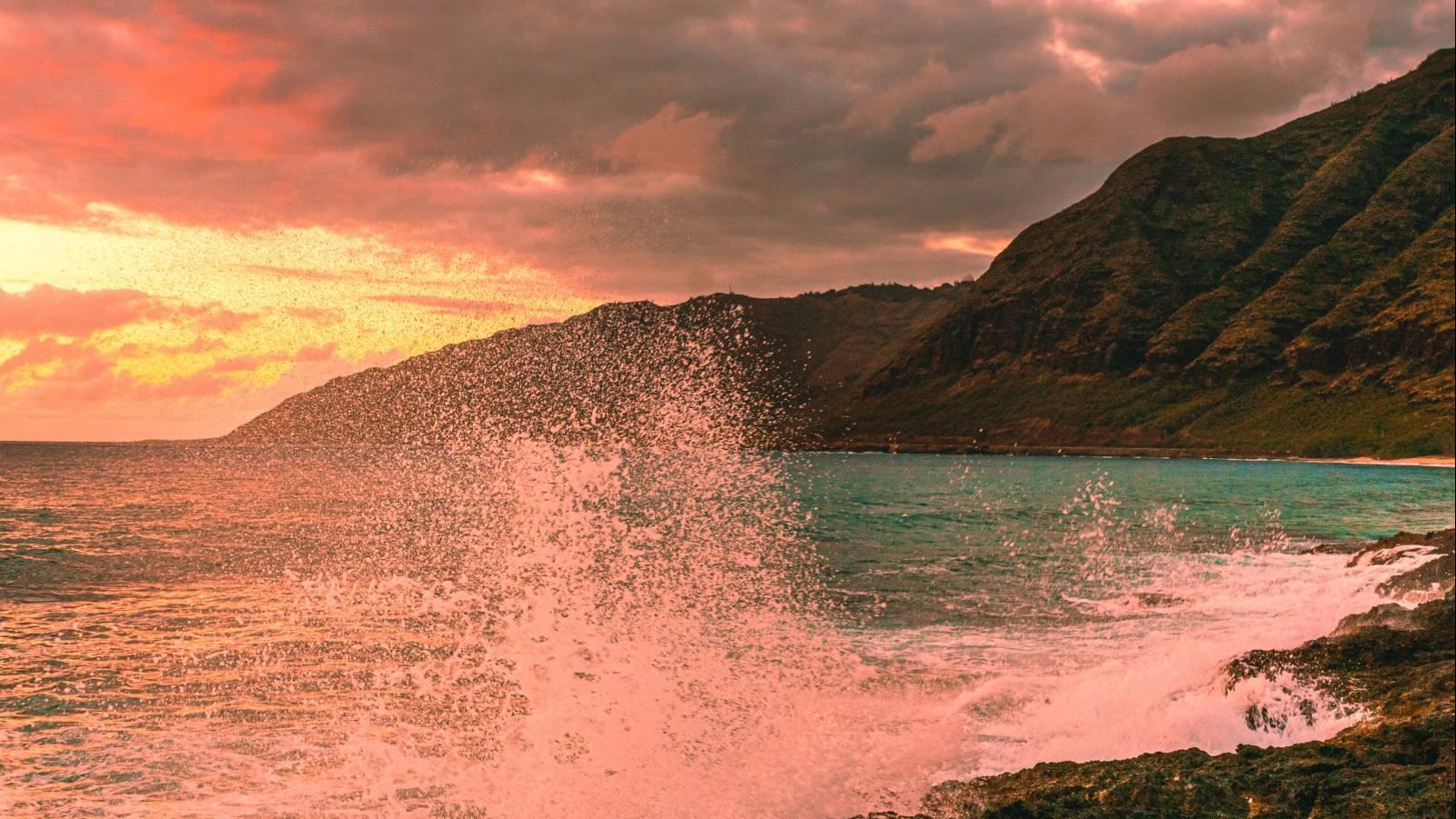oahu sunset over the beach