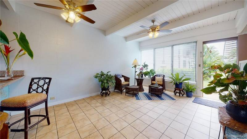 condo on oahu for sale