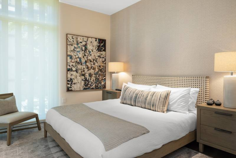 contemporary bedroom furnishings