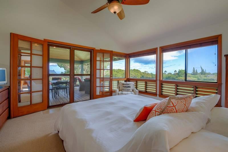 5260 Honoiki Master Bedroom