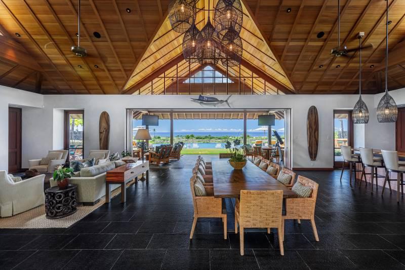 indoor outdoor living on hawaii island