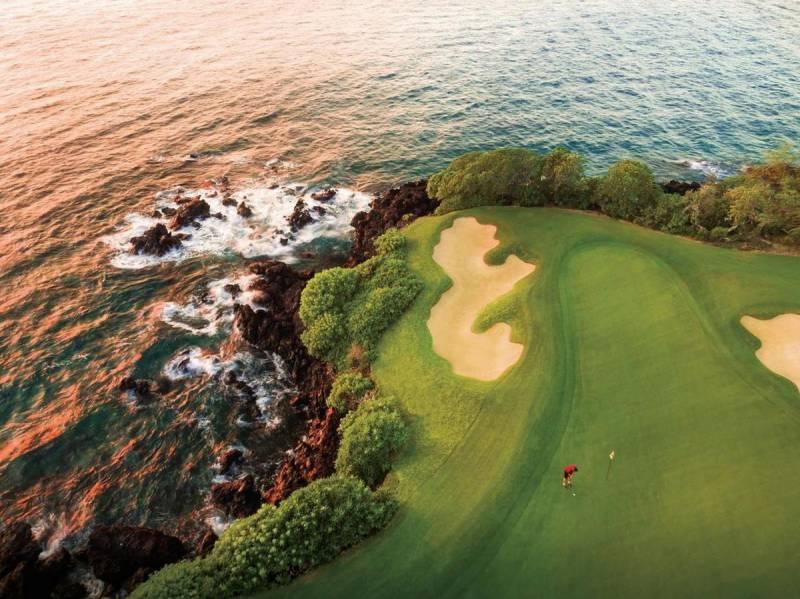 oceanfront gold course at mauna kea resort