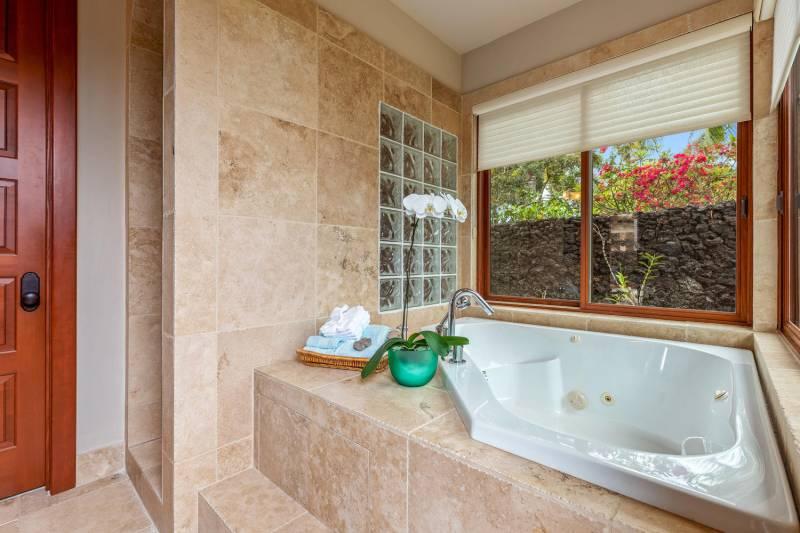 jetted bathtub in master bath