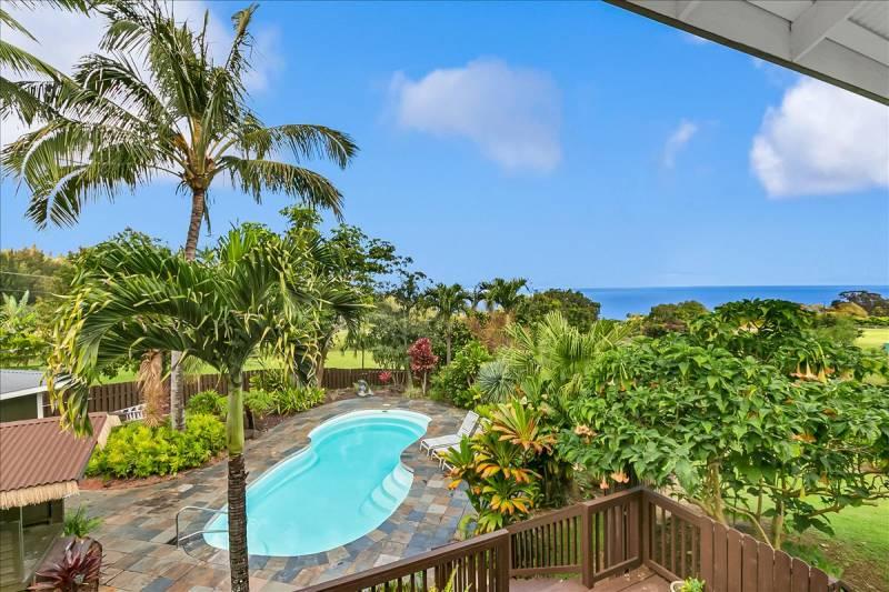 pool with big island ocean views