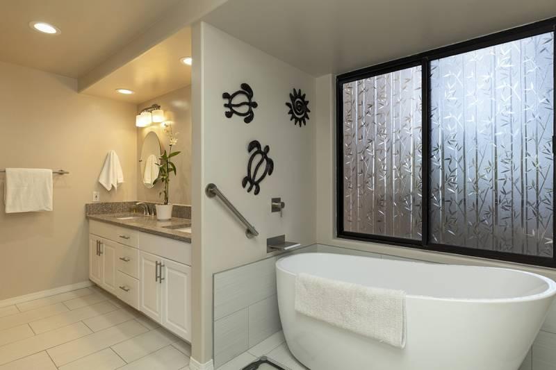 Bath remodel at Waikoloa Fairways
