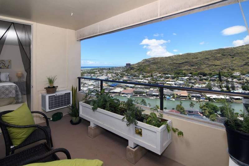 view of hawaii kai marina