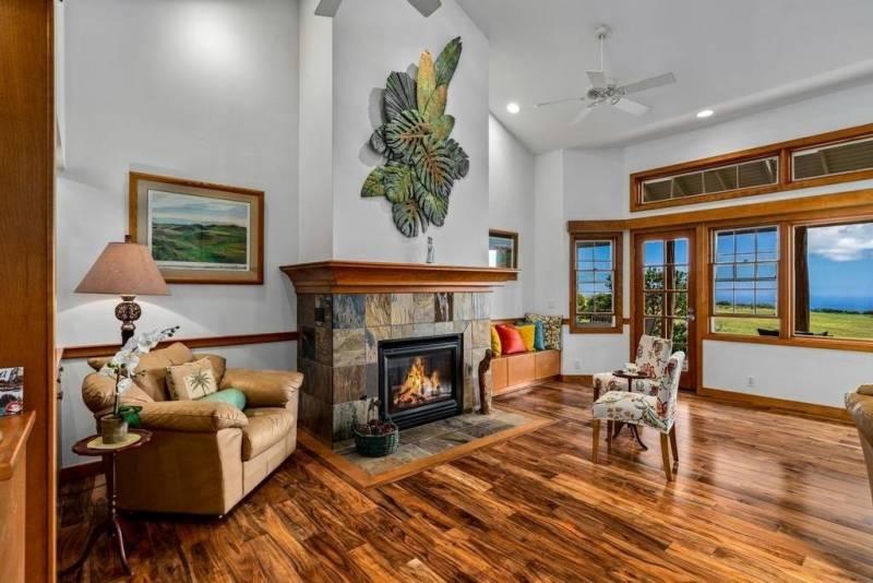 Maliu RIdge home with fireplace and views