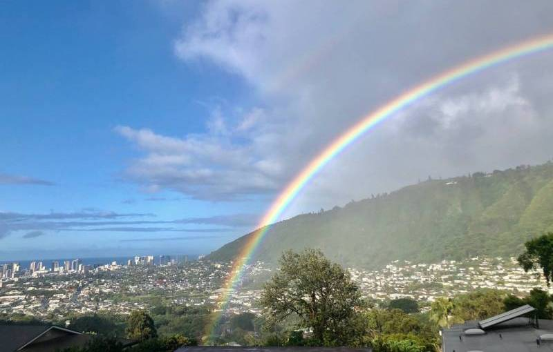 rainbow over manoa valley oahu