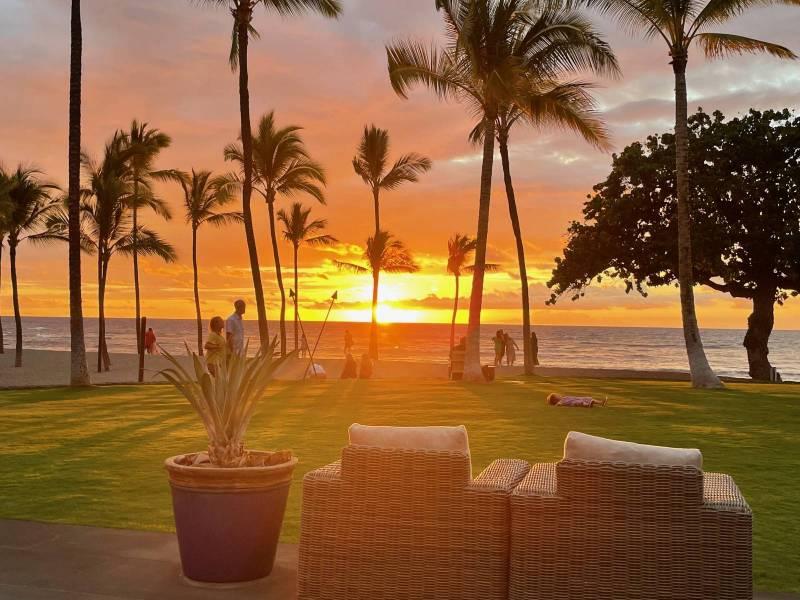 Sunset at Canoe House at Mauna Lani Resort