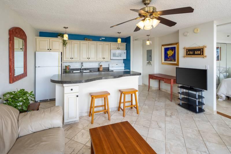 open concept floor plan and full kitchen