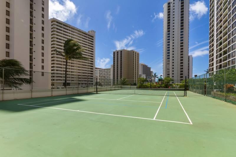 waikiki banyan tennis courts
