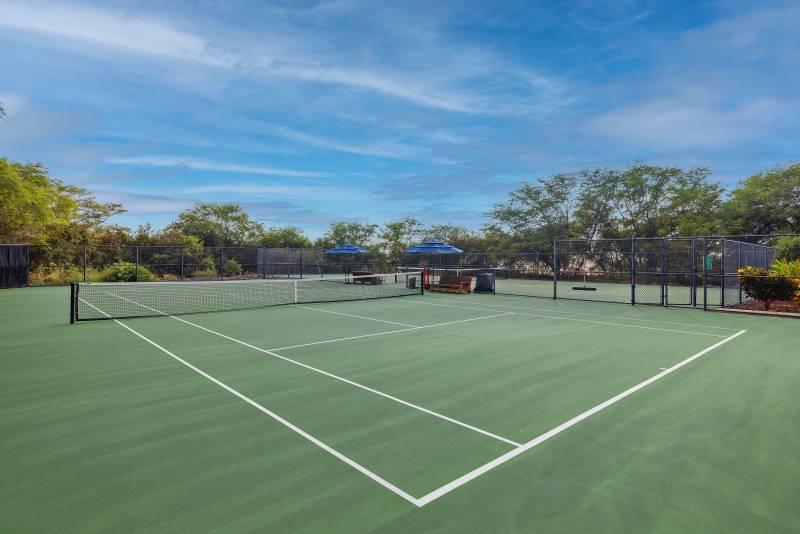 tennis court at hokulia luxury big island community