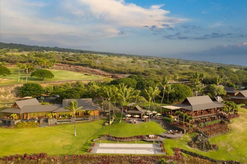 hokulia luxury big island community