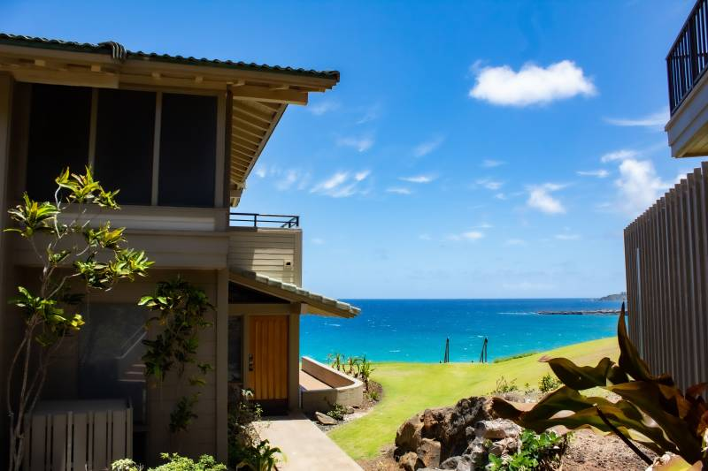 private beach access from condos in kapalua