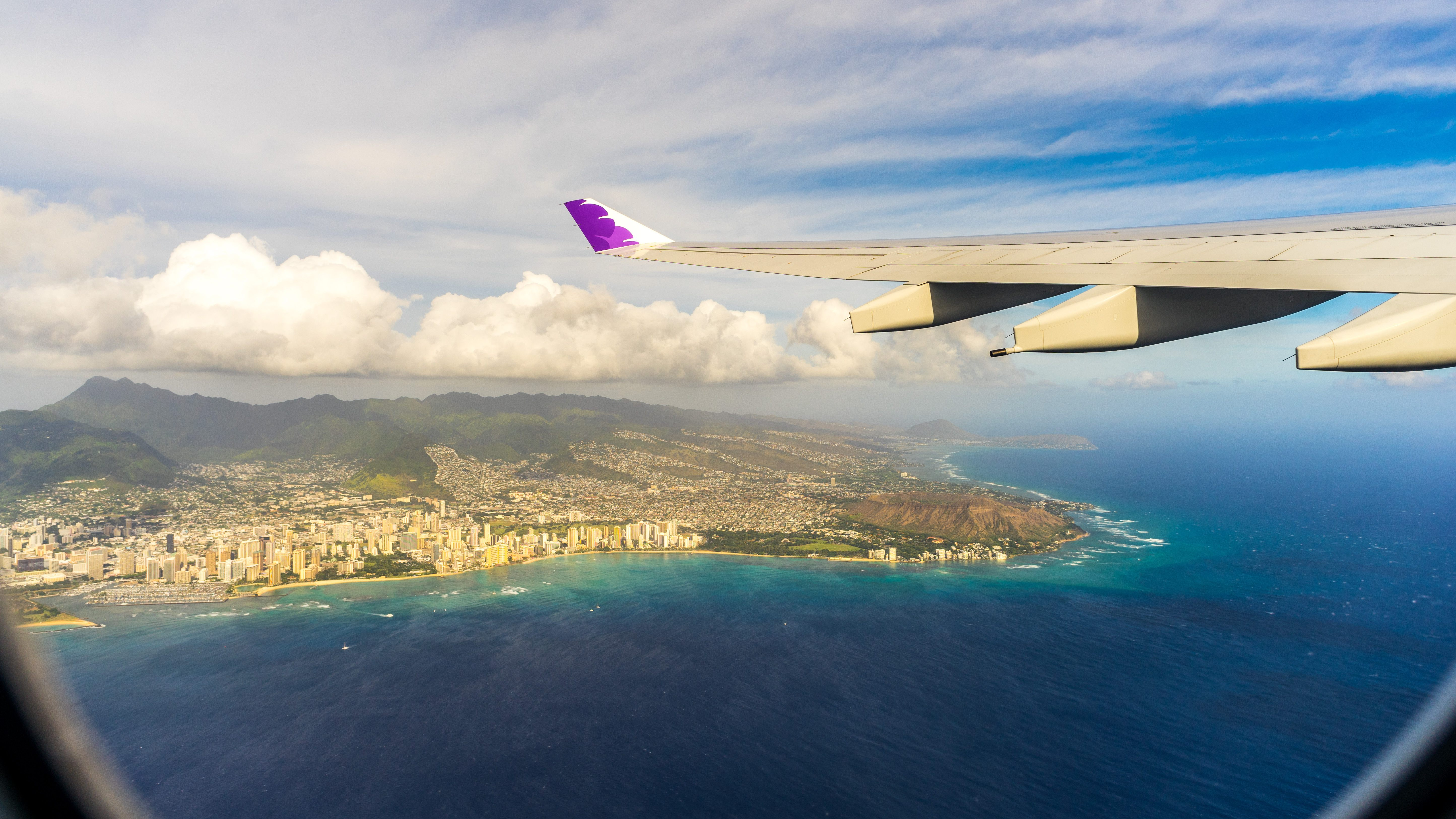 Flying,Over,Hawaii,A,View,From,Plane.