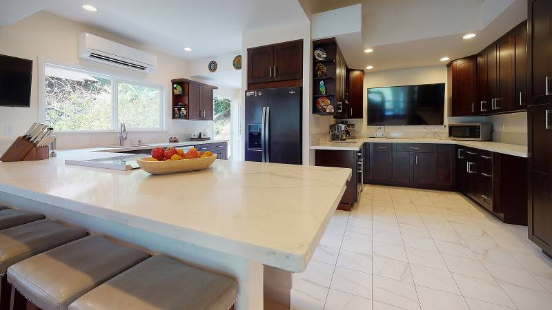 kitchen in honolulu home for sale