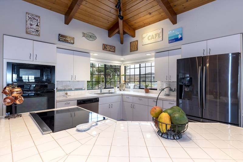 kitchen in waikoloa home for sale